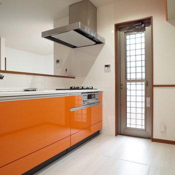 元気印のオレンジ!キッチンに立つだけでテンションが上がる♪