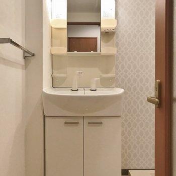 嬉しい独立洗面♪※写真は306号室