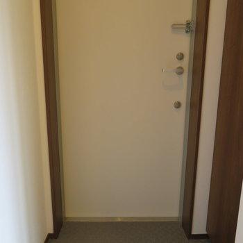 玄関も十分です。