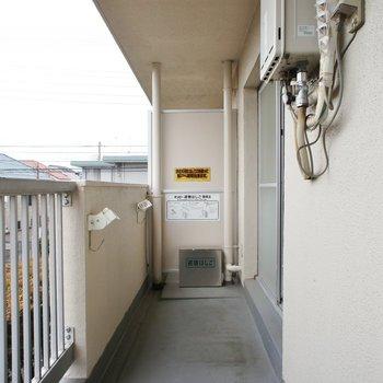 バルコニー、ゆったりです※写真は同じ間取りの2階のお部屋です