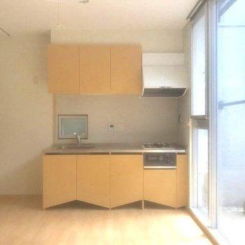 キッチン収納の形が特徴的。※写真は前回募集時のものです