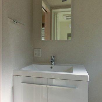 シンプルな洗面台※前回募集時のものです