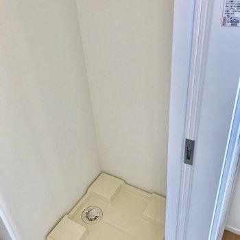 こちらが洗濯機置場。無駄なスペースは取りません