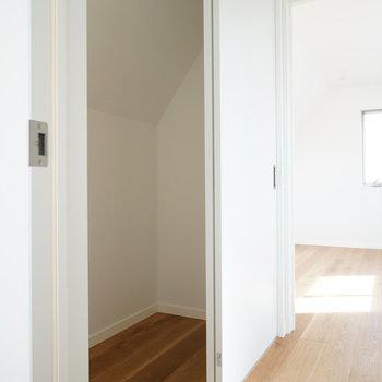 3階廊下の収納