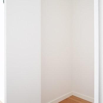 1階廊下の収納