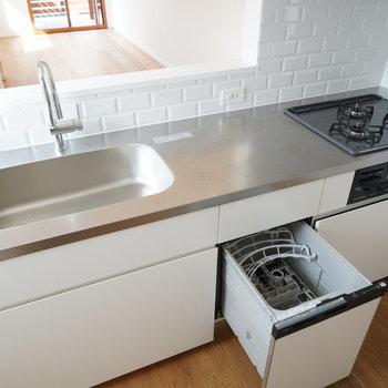 食洗機付きのおおきなキッチン!