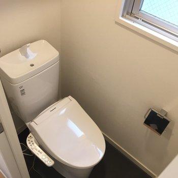 トイレも新品!ウォシュレット付きが嬉しい♡