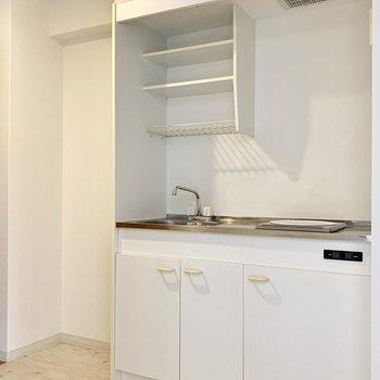 キッチンはコンパクトですが、調理スペースはちゃんとあります◎