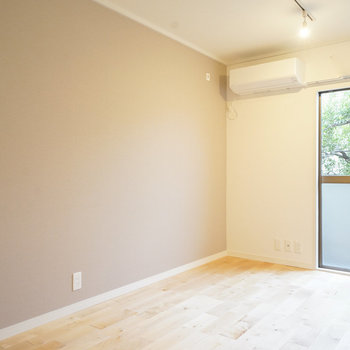 【イメージ】カバザクラの無垢床はお部屋を優しい雰囲気に