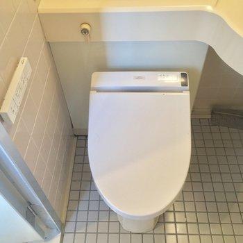 トイレはウォシュレット付きですよん※クリーニング前の写真です