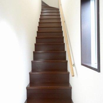 さあさあこの階段を登ると・・・