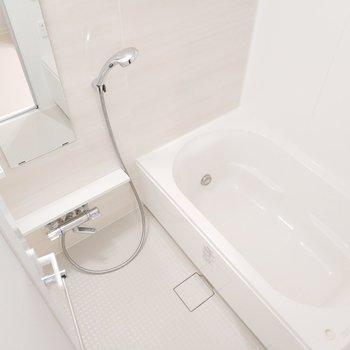 浴室乾燥機付きで助かる〜!※写真は2階の反転間取り別部屋のものです