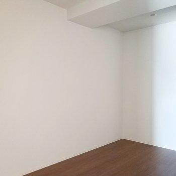子供部屋かな、書斎かな♪※写真は2階の反転間取り別部屋のものです