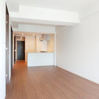 どんなインテリアを置こうかなぁ。※写真は2階の同間取り別部屋のものです