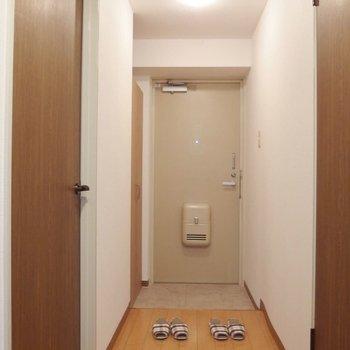 玄関。廊下はながめ。※写真は前回募集時のものです