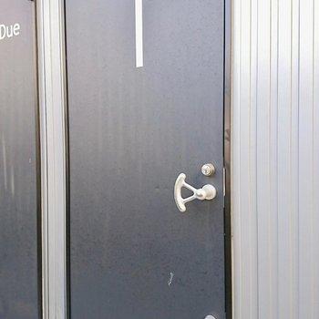潜水艦のドアみたい