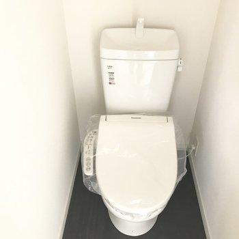 トイレは新品!ウォシュレット付きです。※工事中の写真です。