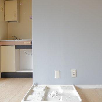 洗濯機置場はお部屋の中に。  ※写真は前回募集時・クリーニング前のものです