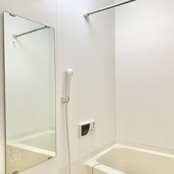 浴室乾燥ができますよ。