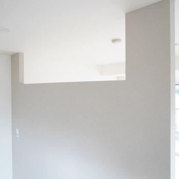 この天井の穴で光が回ります