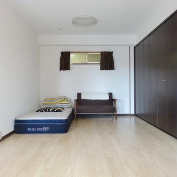 廊下側にも窓があり換気できます◎※家具等は全て撤去されます