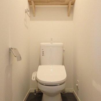 トイレももちろんウォシュレット付き!