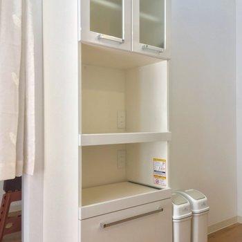 キッチンの背面には食器棚!立派です ※写真は前回募集時のものです