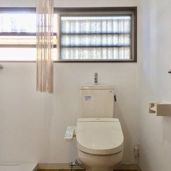 トイレもこちらに。小窓付きなのがいいね! ※写真は前回募集時のものです