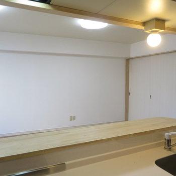 キッチンからはこう見えます。※写真は前回募集時のものです