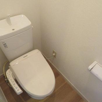 温水便座付のトイレです。※写真は前回募集時のものです