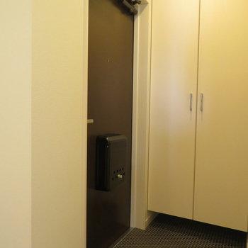 玄関スペースも充分。