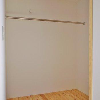 右の扉は、大きな収納スペース。※写真は前回撮影時のもの