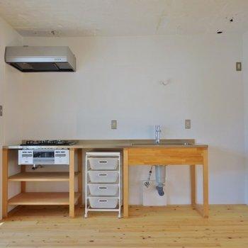とってもかわいい造作のキッチン。※写真は前回撮影時のもの