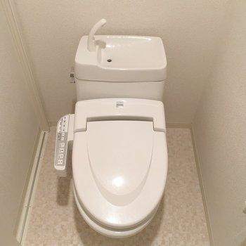 おトイレにはウォシュレットもついてます。