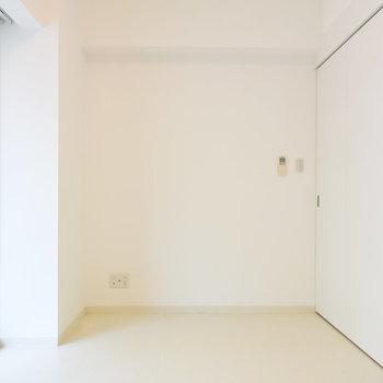 扉を閉めても、洋室の狭さを感じることはありませんね(※写真は4階の反転間取り別部屋のものです)