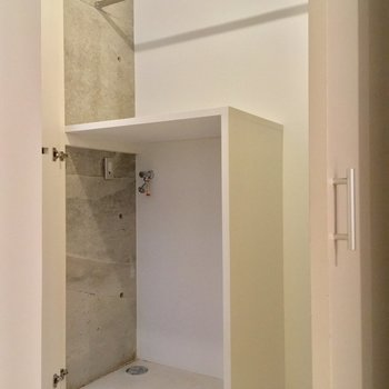 洗濯機置場とクローゼット!洗濯機は小さめが良いかも