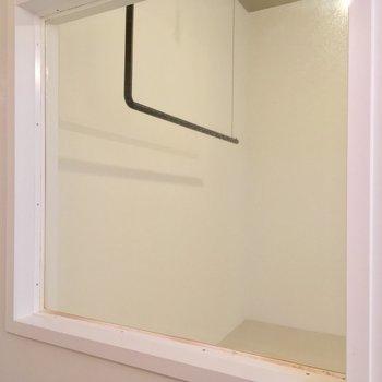 あ、さっきの窓じゃないの