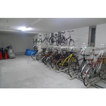 雨が降っても安心の屋内自転車置き場※ 写真は前回募集時のものです