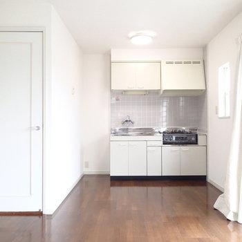 こちらのお部屋にキッチンがあります。※写真は前回募集時のものです