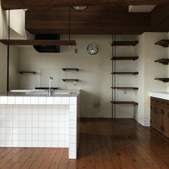 かわいいキッチンに心躍ります。