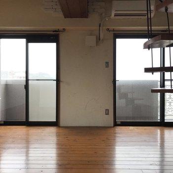 リビングは16帖!大きな窓からは絶景が望めます。