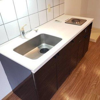 キッチン周りはタイルなのでなのでお掃除ラクラク!