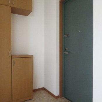玄関スペースも広いですし、シューズボックスの形もおもしろい!