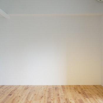 広さにして8、9帖ほどの広さ ※写真は別部屋