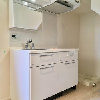 キッチンは洗面台としても使いましょう※ 写真は前回募集時のものです