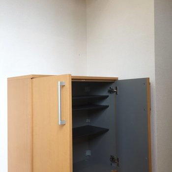 靴はこちらへどうぞ※写真は5階の同間取り別部屋のものです