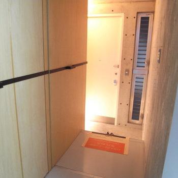 この廊下が・・・(写真は別部屋です)