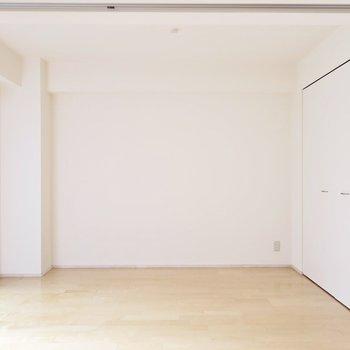 こちらのお部屋はリビングスペースにしちゃいます? ※写真は同間取り別部屋