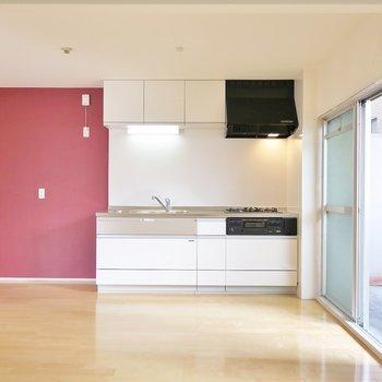 程よく落ち着きのあるピンクが素敵。 ※写真は同間取り別部屋