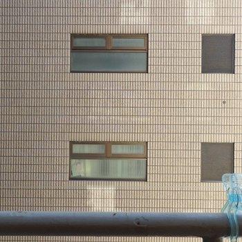 眺望もお隣さん。